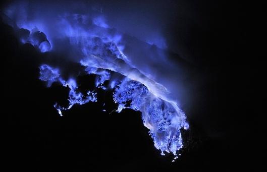 Sulfur mine picture : Olivier Grenwald